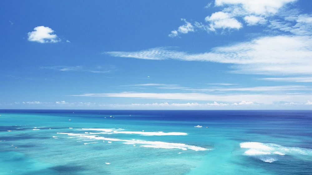 Aquamarine_sea_and_sky_in_Hawaii_JY075_350A